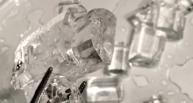 Crystal with multiple core growth will not produce ideal piezoelectric crystals.